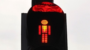 voetgangerslicht rood Gdansk kopieklein